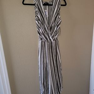 Scobe Jumpsuit army green and white stripes.